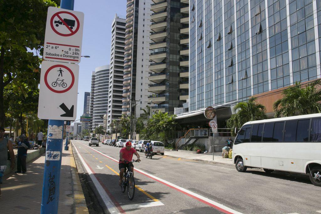 Espaço dedicado ao ciclista em Fortaleza. (Foto: Paula Tanscheit/WRI Brasil Cidades Sustentáveis)