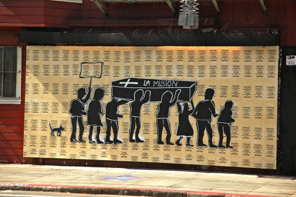 Mural no Mission District sinaliza gentrificação. (Foto: torbakhopper/Flickr-CC)