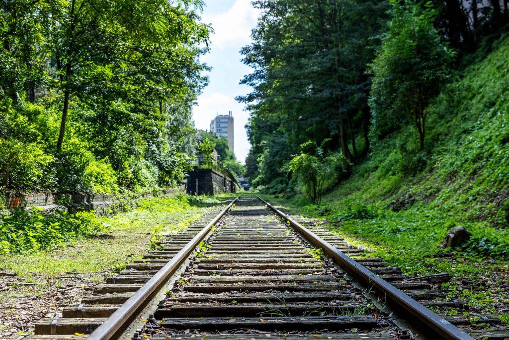 Maior parte da antiga linha férrea é hoje um caminho verde na cidade. (Foto: Antoine Beauvillain/Flickr-CC)