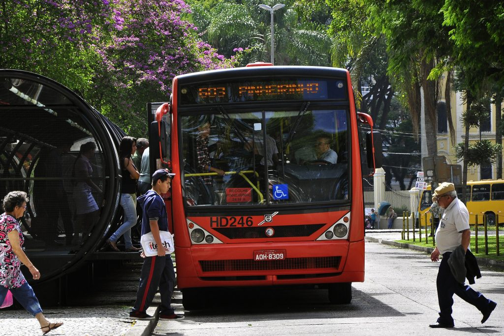Urbanista cita o Sistema BRT de Curitiba como exemplo a ser seguido. (Foto: Mariana Gil/WRI Brasil Cidades Sustentáveis)