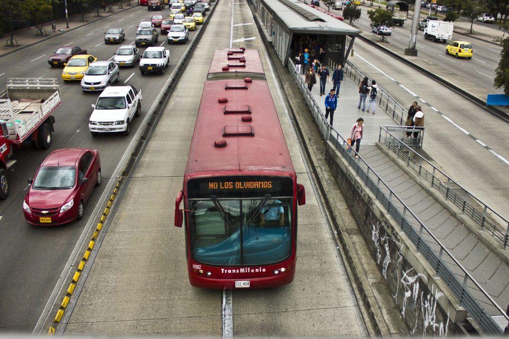 O BRT transmilênio, em Bogotá (Foto: Andrés Cortés/ Comité Internacional de la Cruz Roja / Flickr)