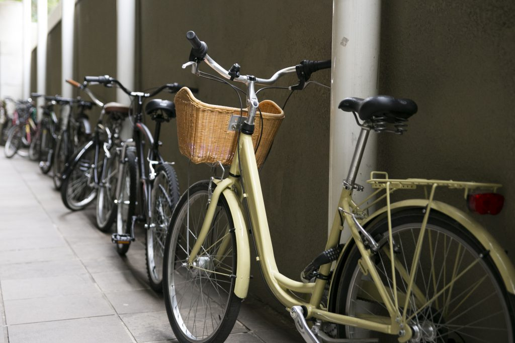 A bicicleta pode ser usada também para completar um deslocamento ao trabalho. (Foto: Priscila Pacheco/WRI Brasil Cidades Sustentáveis)