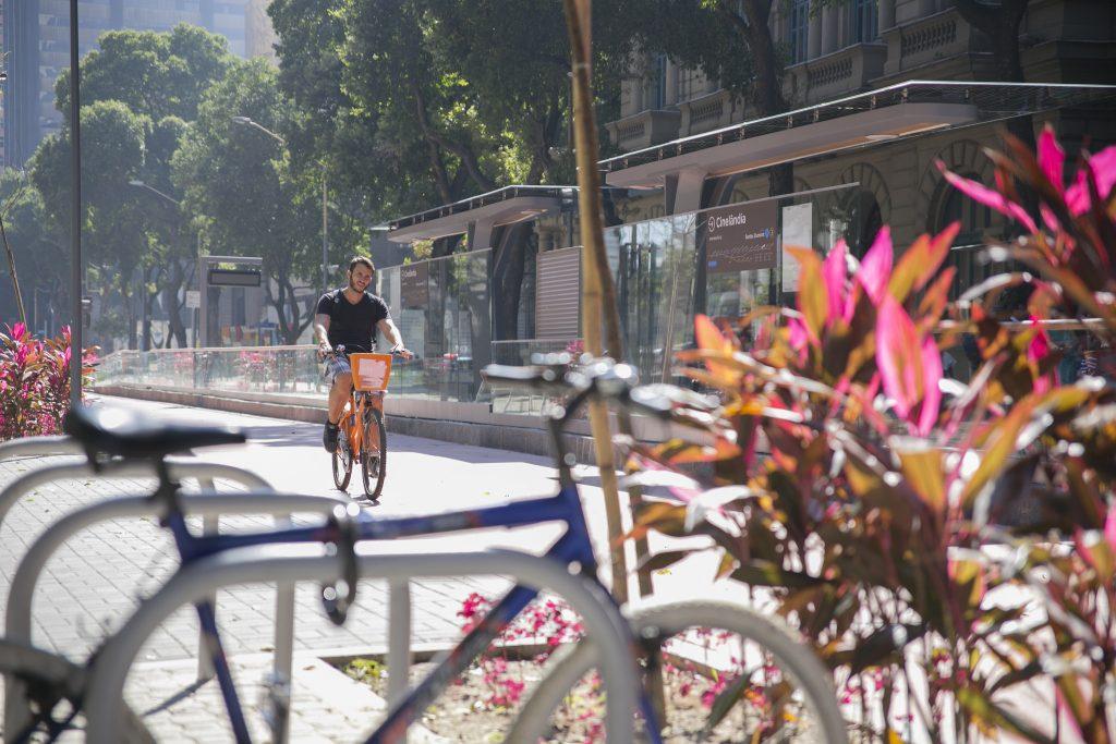 Espaço e baixas velocidades são determinantes para encorajar o uso da bicicleta. (Foto: Mariana Gil/WRI Brasil)