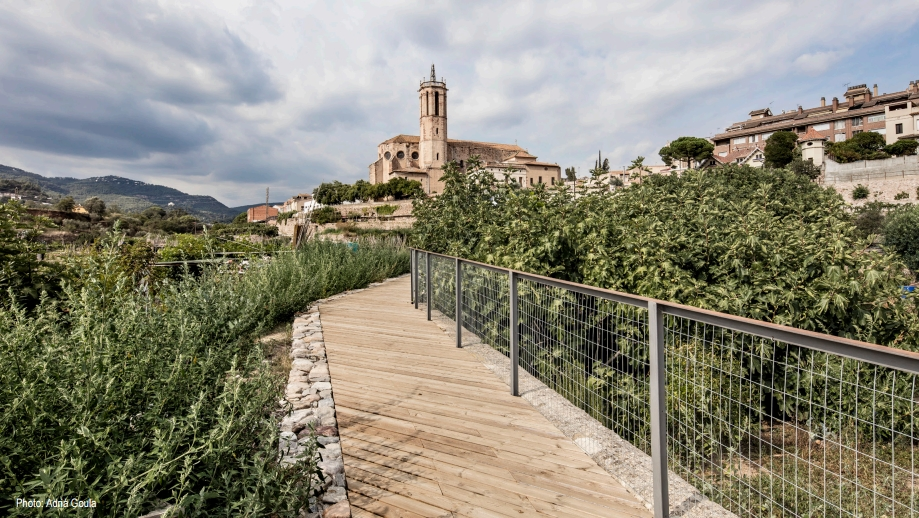 Sistema de irrigação das hortas termais na cidade espanhola de Caldes de Montbui (Foto: Adriá Goula / Divulgação Prêmio Europeu de Espaço Público 2016)