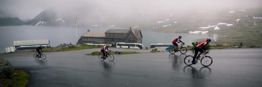 Ciclistas na Noruega. (Foto: Edgar Vonk/Flickr-CC)