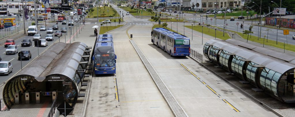 Linha Verde, em Curitiba. (Foto: mariordo59/Flickr-CC)