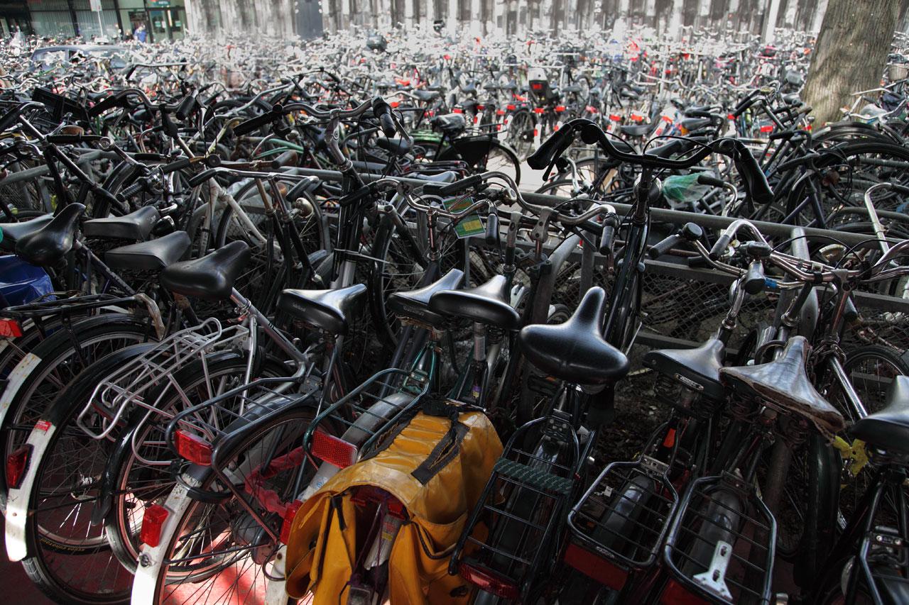 Muitas bicicletas