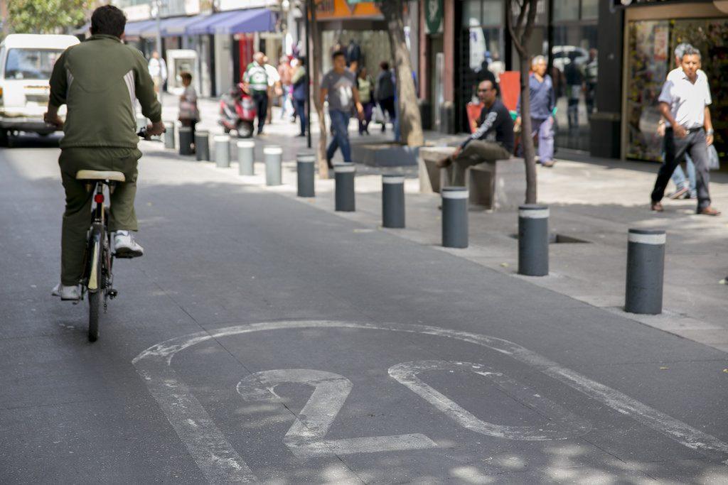 Cidade do México, bicicleta, rua compartilhada