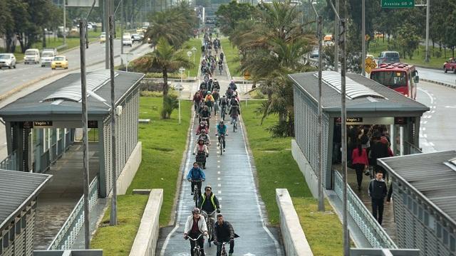 Ciclovias lotadas no Dia sem Carro, em Bogotá (foto: Prefeitura de Bogotá)