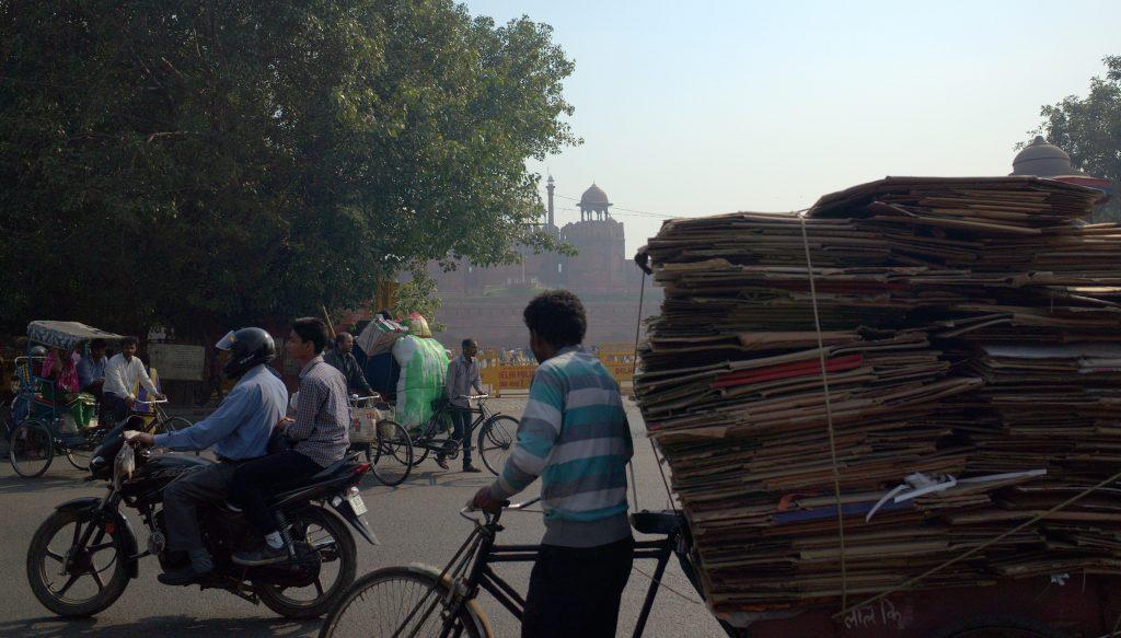 Em Deli, na Índia, o limite de tempo antes que pedalar faça mal para a saúde seria de uma hora (Foto: Travis Wise, Flickr)