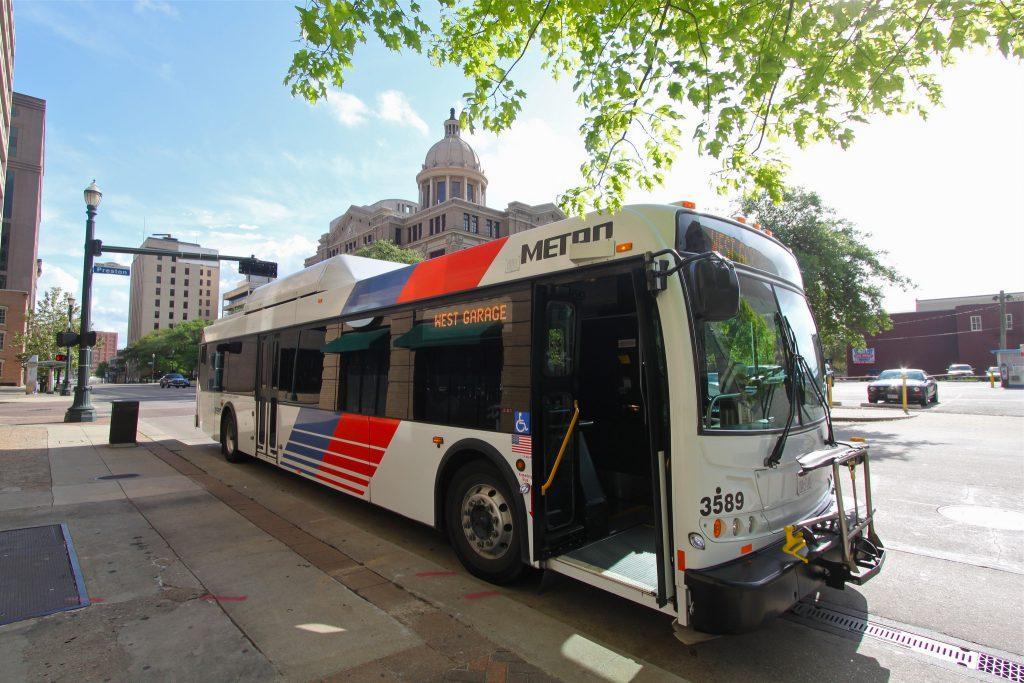 Sistema de transporte coletivo é pouco utilizado pela maior parte da população. (Foto: Roy Luck/Flickr-CC)