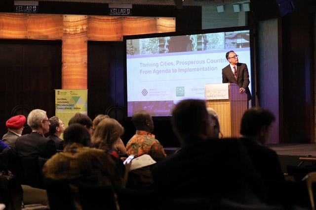 O diretor global do WRI Ross Center, Ani Dasgupta durante evento no Fórum Urbano Mundial (foto: Valeria Gelman/WRI)